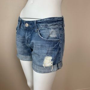 ❤️ 3/$25 Distressed Loose Fit Jean Shorts